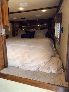 2012 Platinum Coach 3H 15 SW Horse Trailer