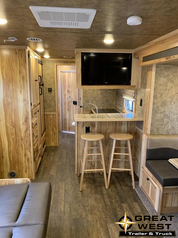 2017 Lakota Charger 3 Horse 15' Short Wall Horse Trailer