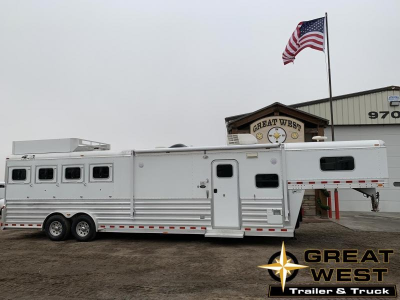 2007 4-Star Trailers 4 Horse 12 Living Quarters Horse Trailer