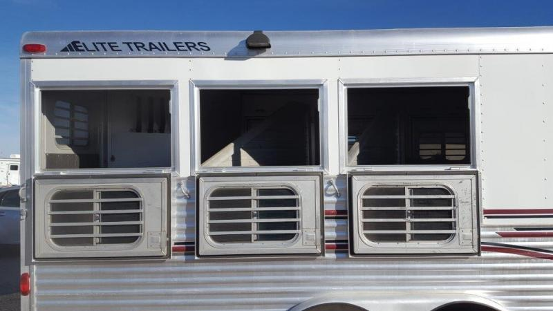 2004 Elite Trailers 17ft SW 3H  Horse Trailer