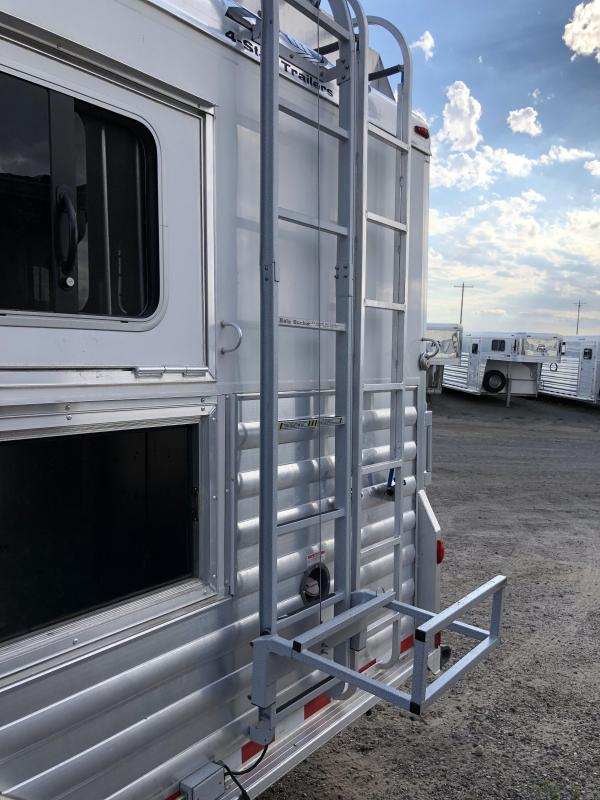 2014 4-Star Trailers Horse Trailer