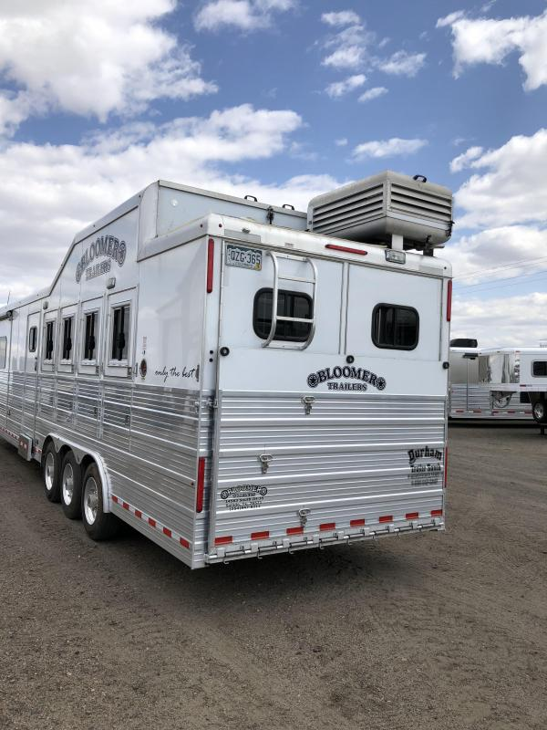 2015 Bloomer 15' Short Wall 4 Horse Slide Out PC load Trailer