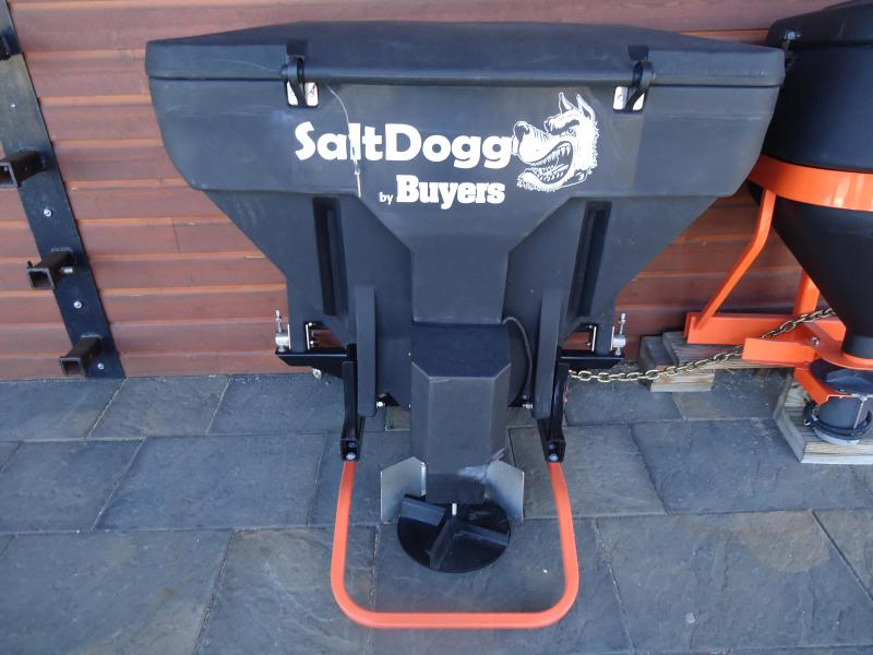 2017 SALTDOGG TGS03 8 CUBIC FOOT TAILGATE SPREADER Salt Spreader