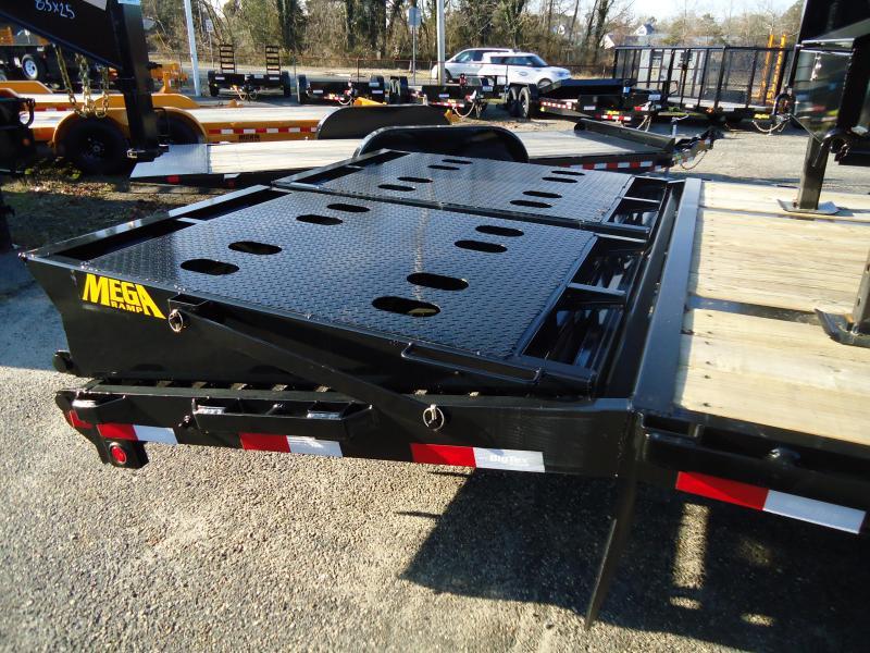 2019 Big Tex Trailers GN 8.5X35 22GN 30BK5MR MEGA BLACK Equipment Trailer