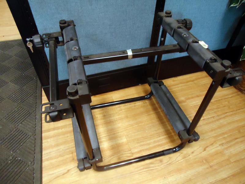 2011 Brand New Thule Trailers Thule 987XT 6-Ski Adapter for Thule Hitch Mount B Attachment