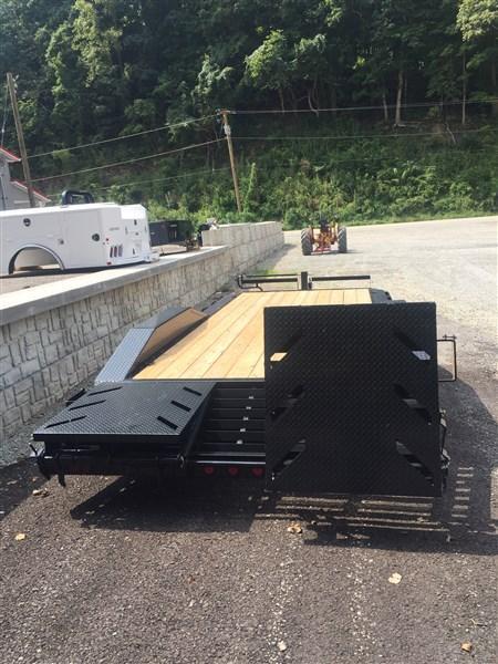 Ironbull ETB 20' Trailer W/ Driveover Fenders & Rampage Ramps
