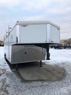 "2010 USED H&H Trailers Top Line 101""x20' White Enclosed Gooseneck V-Nose Tandem Axle"