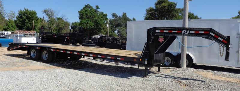 "2020 PJ Trailers 102"" x 30' Low-Profile Flatdeck with Duals"