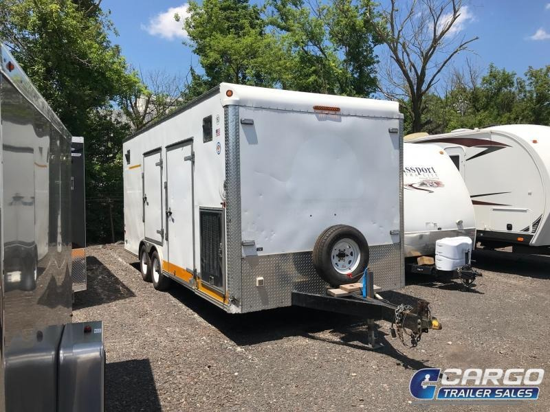 2009 Carmate  Enclosed Cargo Trailer