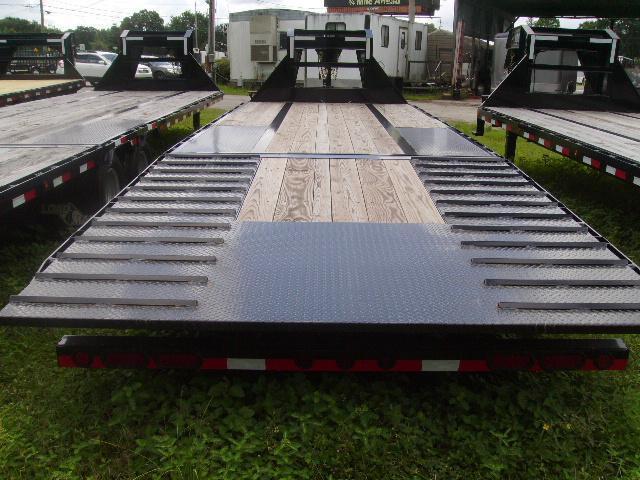 8.5 x 26 Load Trail Trailers Low Pro Gooseneck Hydraulic Dove