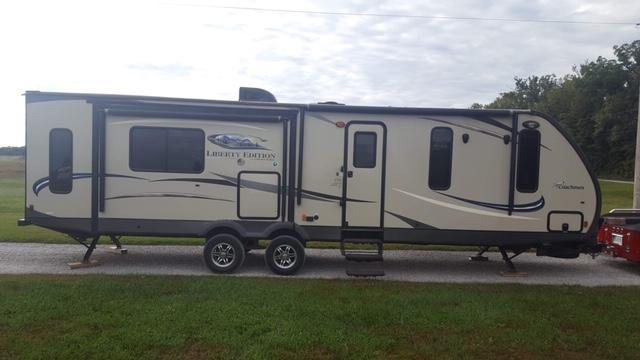 2015 Coachmen Freedom Express Travel Trailer