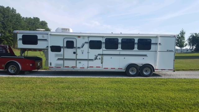 2006 Adam All American LQ Horse Trailer
