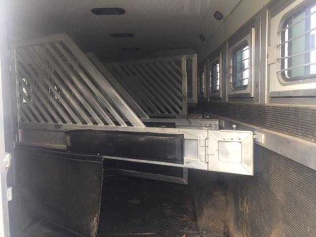 2006 Bloomer Trailer Manufacturing LQ with Slide Out Horse Trailer