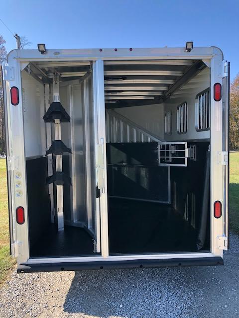 2018 Kiefer Manufacturing Genesis Horse Trailer