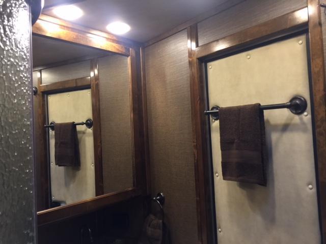 2018 Kiefer Manufacturing Kutter Series Living Quarters Horse Trailer
