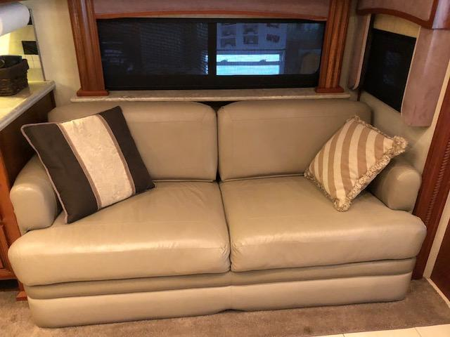 2010 American Coach Heritage Eagle Class A RV