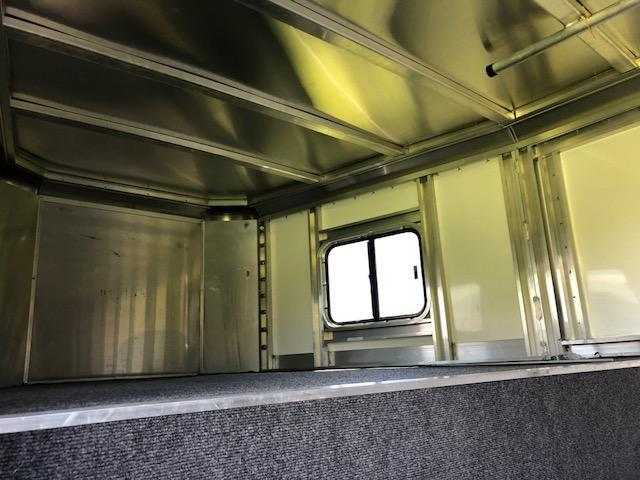 2007 Kiefer Built Genesis Horse Trailer