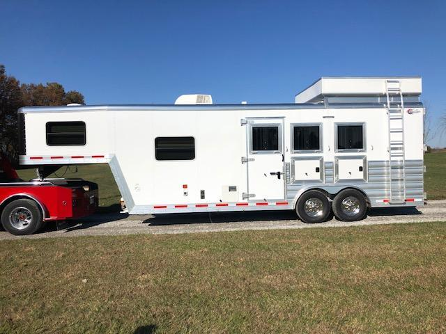 2018 Kiefer Manufacturing Kutter Series LQ Horse Trailer