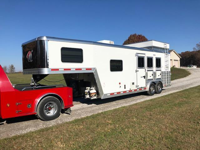 2018 Kiefer Manufacturing Kutter Series LQ Horse Trailer
