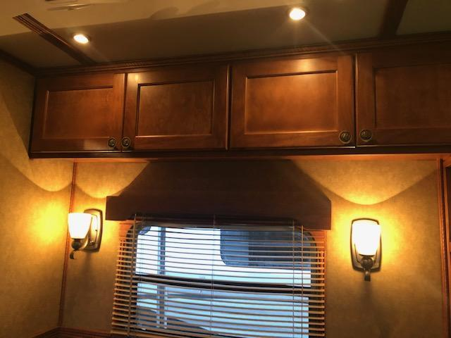 2014 Kiefer Manufacturing Freedom LQ Horse Trailer