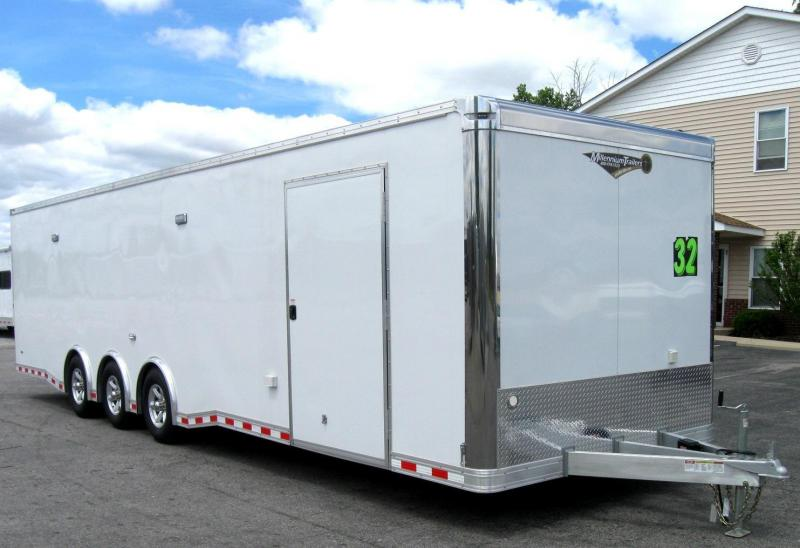 2018 ALL ALUM 32' Millennium Extreme Spread Triaxle /Escape Door