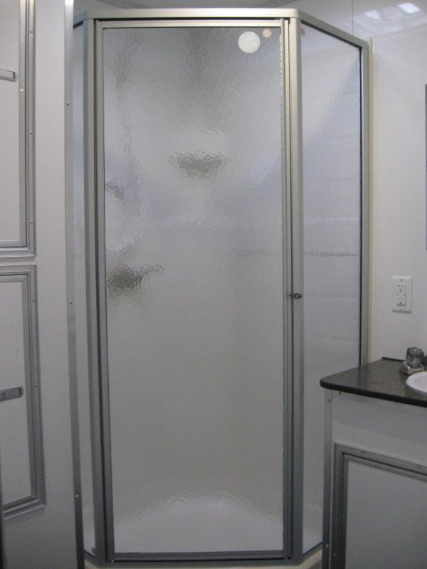 <b>Now Available GN/Full Bathroom</b> 2019 44' Millennium Platinum Perfect Price/Perfect Options