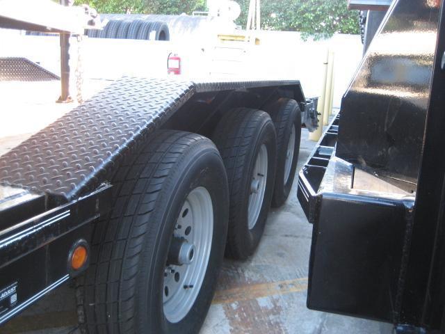 *H46* 8.5x32 Gooseneck Equipment Hauler Trailer |Drive Over Fenders 8.5 x 32 | EQG102-32TT7-DOF/KR