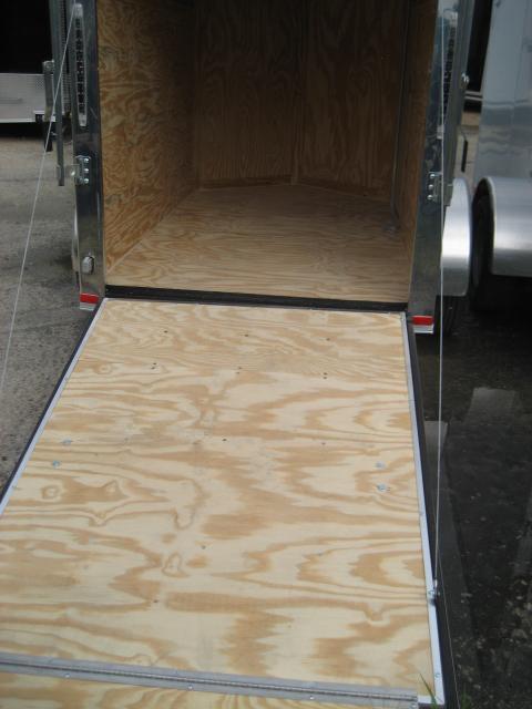 *E1E* 5x8 Enclosed Trailer  LR Trailers Cargo 5 x 8 | EV5-8S3-R
