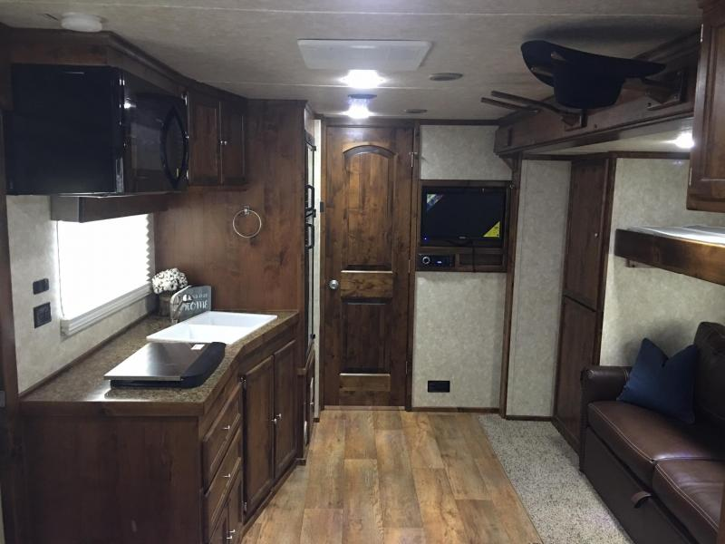 2019 Logan Coach 4 Horse Side Load 14.6 ft Short Wall with Slide Horse Trailer