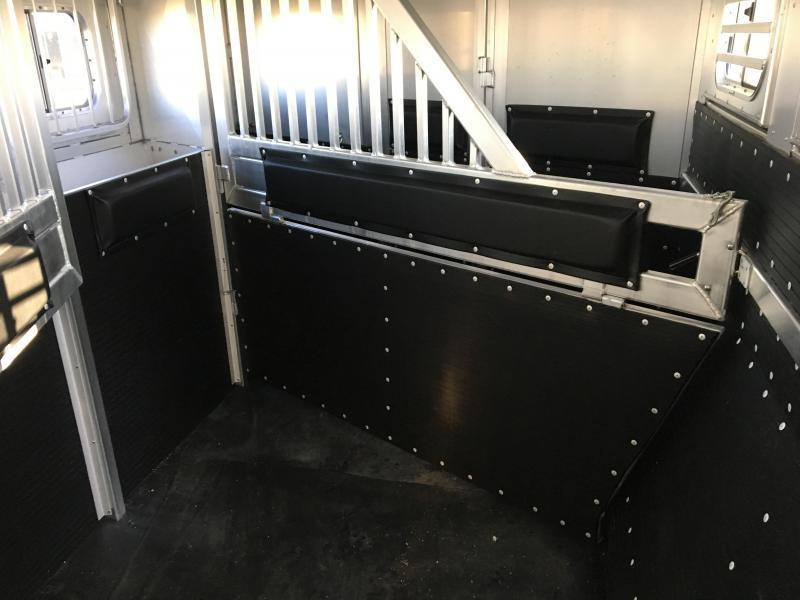 2018 Platinum 4 Horse 17 ft LQ Side Load with Slide Horse Trailer