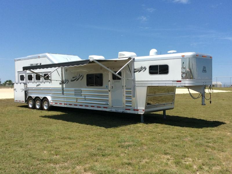 4 Horse Trailers Horse Trailers And Living Quarter Trailers For