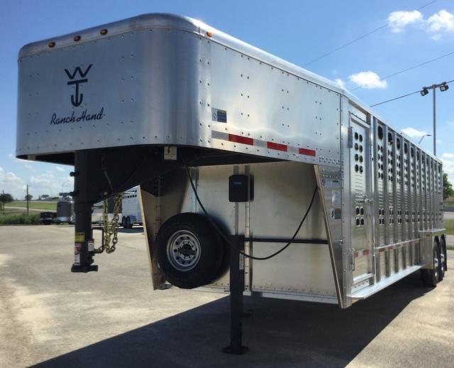 2018 Wilson Trailer Company 24 ft Ranch Hand Livestock Trailer