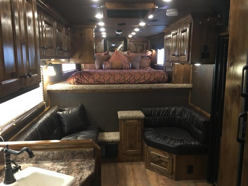 2019 Platinum Coach 4 Horse Side Load 13 Short Wall Horse Trailer