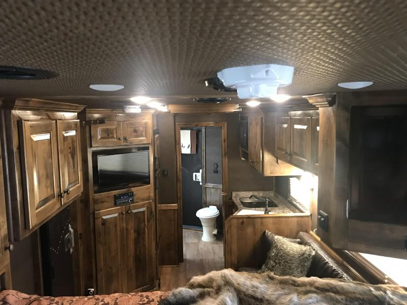2019 Platinum Coach 4 Horse Side Load 13 Short Wall Horse Trailer