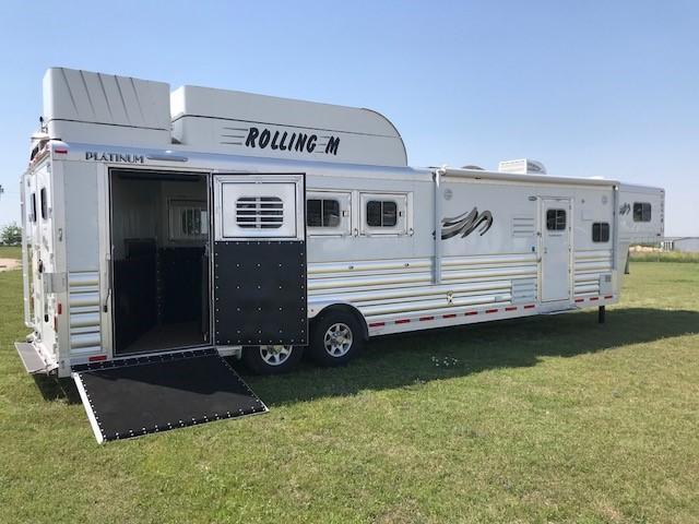 2018 Platinum Coach 4 Horse 13 ft LQ Side Load w/slide Horse Trailer