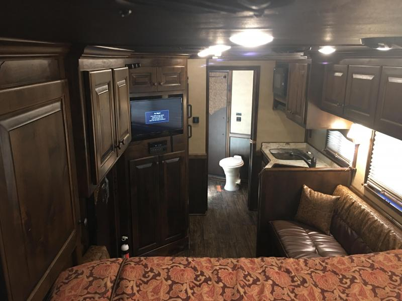 2018 Platinum Coach 5 Horse Side Load 13' LQ Horse Trailer