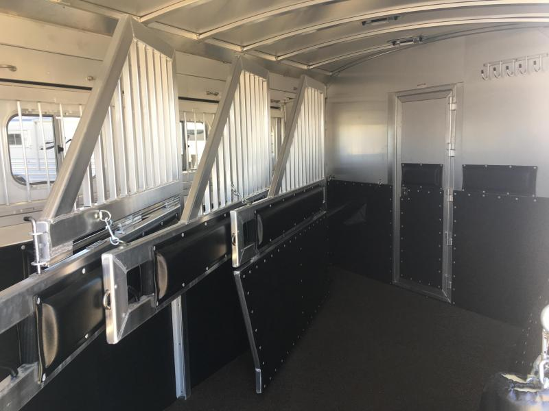 2019 Platinum Coach 4 Horse 13 ft 4 in Short Wall with Slide Horse Trailer