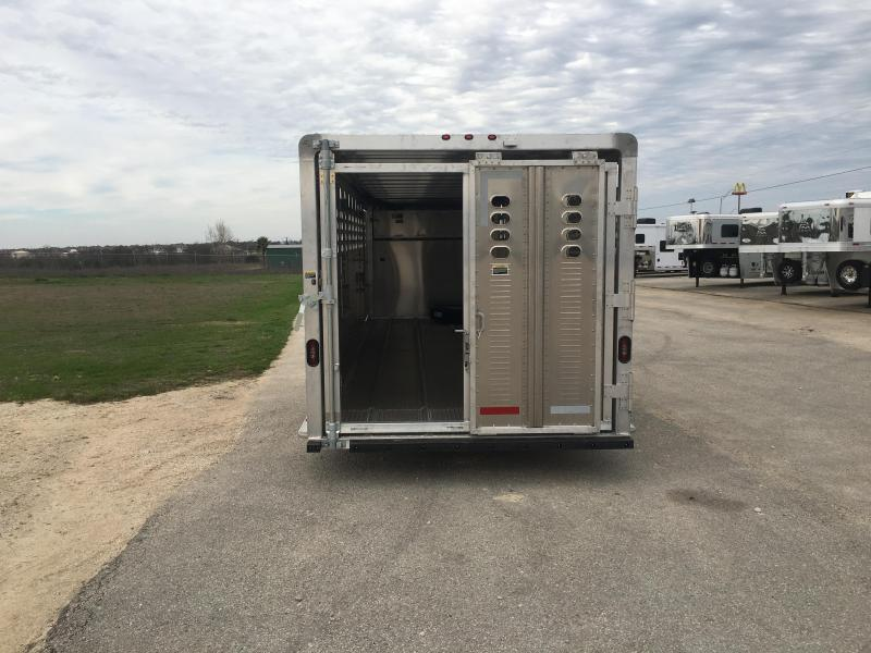 2019 Wilson Trailer Company 24 ft Ranch Hand Livestock Trailer