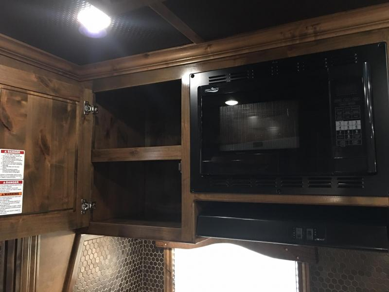 2019 Platinum Coach 4 Horse Side Load 17ft SW with Slide Horse Trailer