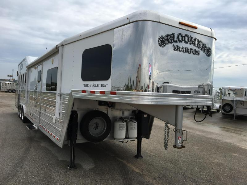 2015 Bloomer Trailer Manufacturing 4 Horse 16 LQ Horse Trailer