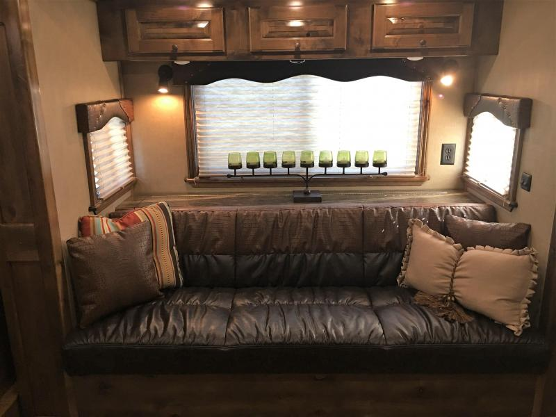 2019 Platinum Coach 3 horse 11ft short wall with slide out Horse Trailer