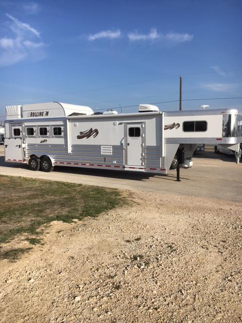2018 Platinum Coach 4 Horse Side Load 13 Short Wall Livestock Trailer