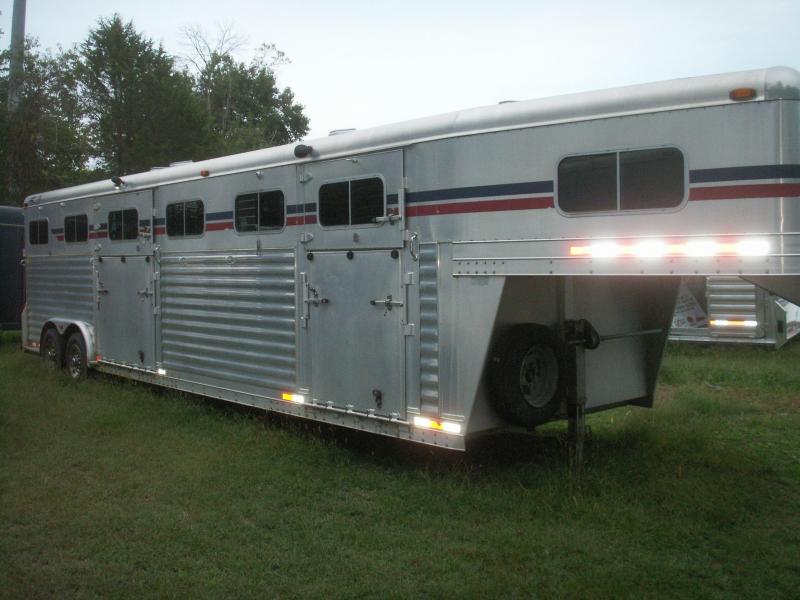 2004 4-Star Trailers 5-7 horse head to head Horse Trailer