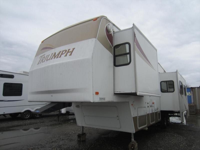 2004 Fleetwood Triumph 35-5L