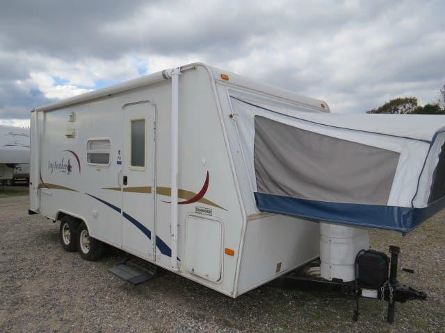 2005 Jayco Jay Feather EXP 21J in Ashburn, VA