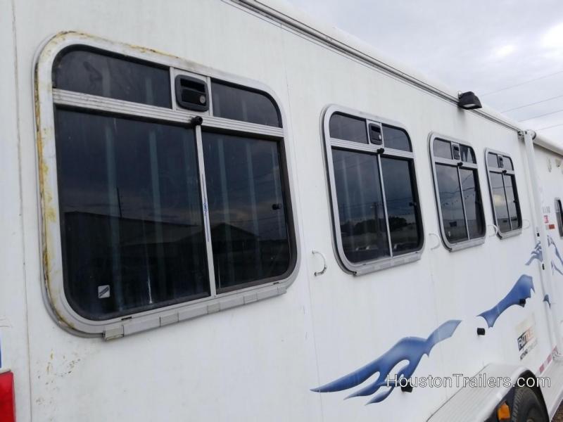 2005 Logan Coach Aluminum XT 4 Horse LQ Shortwall 8' Trailer CO-1050