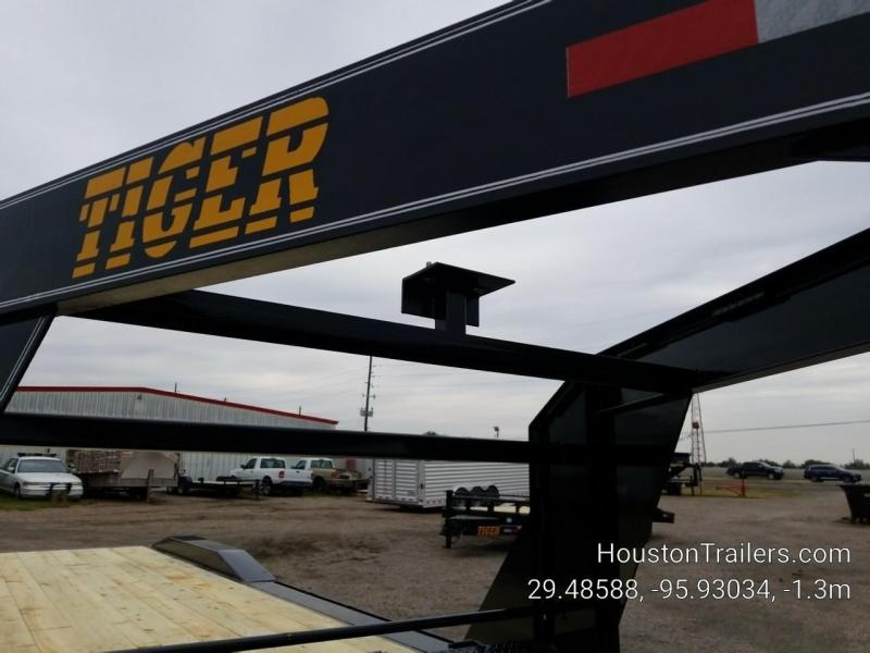2019 Tiger 24' Drive Over Fenders Equipment Trailer TI-39