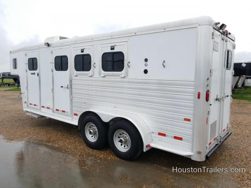 2003 Hart Trailers Medallion 3 Horse Shortwall 6' LQ CO-1048
