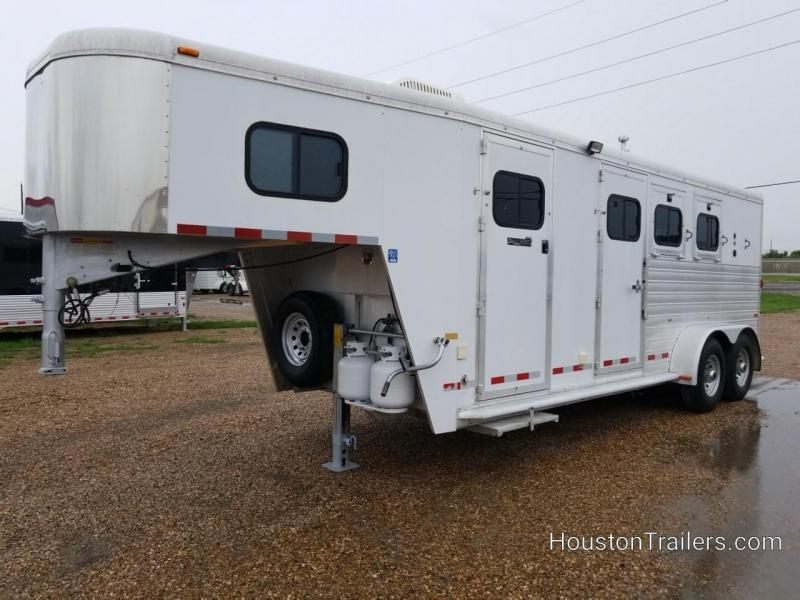 2003 Hart Trailers Medallion 3 Horse Trailer LQ CO-1048