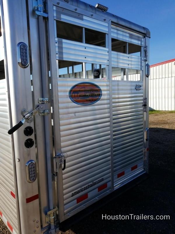 2019 Sundowner Trailers 24' Rancher TR Livestock Trailer SD-110